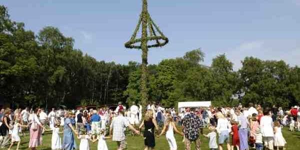 En Suède, dites «Midsommar» et vous faites partie de la famille !