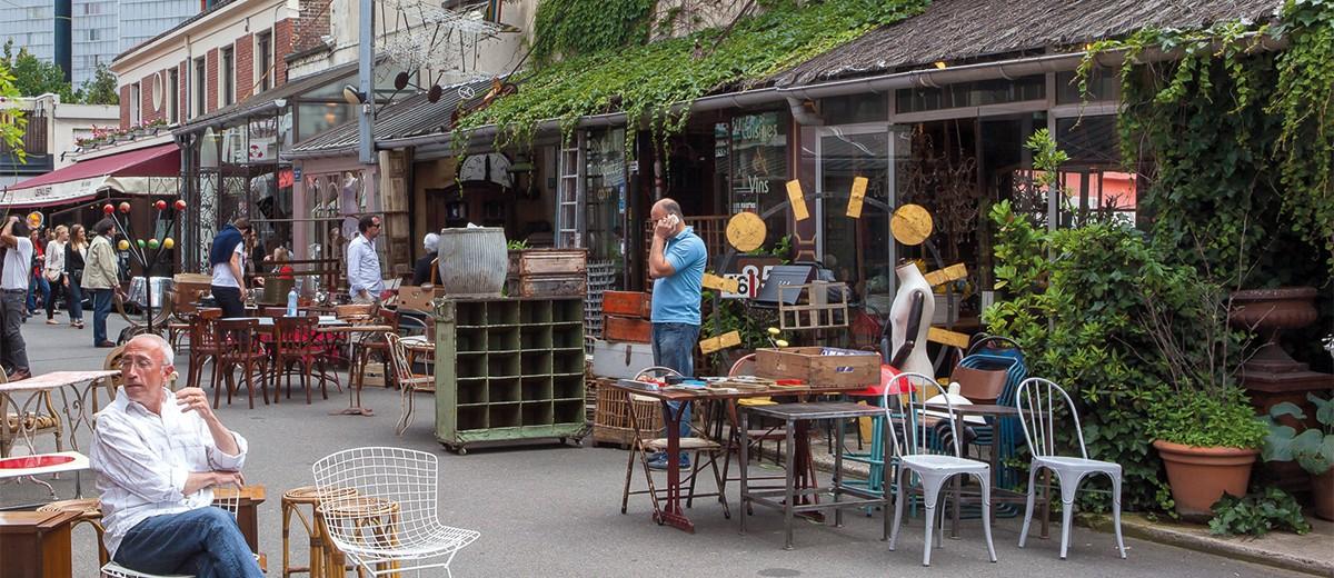 Un Petit Saut Aux Puces Du Marche Dauphine Paris Saint Ouen 1 2