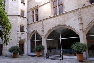hôtel de sade - cour - 6133