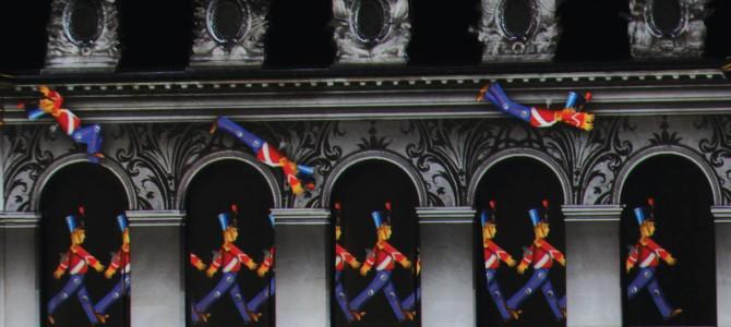 La Nuit aux Invalides : Un spectacle qui fait parler les murs et les murailles de l'Histoire de France.