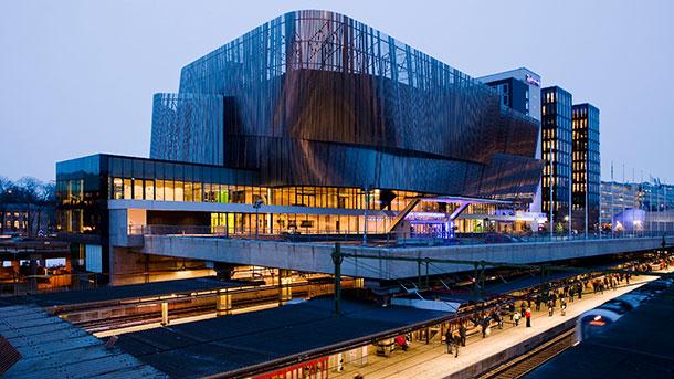 StockholmWaterFront: le nouveau Palais des Congrès de Stockholm en front de mer face au port (Ph StockholmWaterFront)