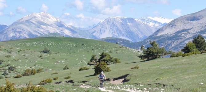 Les Alpes de Haute Provence à pied, à cheval, en ULM , en planeur…, mais aussi à bicyclette, en VTT !
