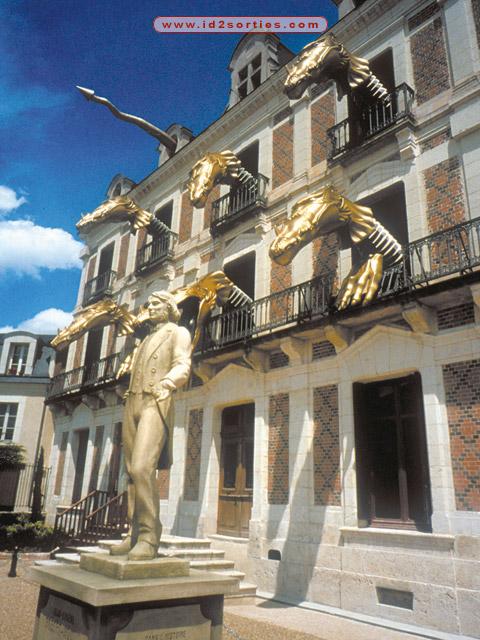 facade-de-la-maison-de-la-magie-maison-de-la-ma-10909171143